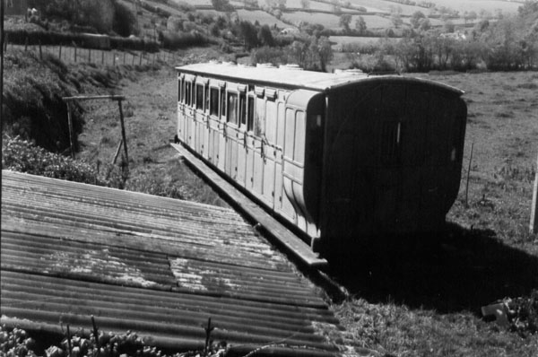Coach 6993 near Snapper beside the platelayers' hut in 1947