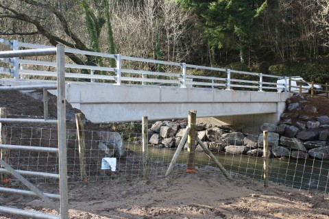 The new bridge from the upstream side.